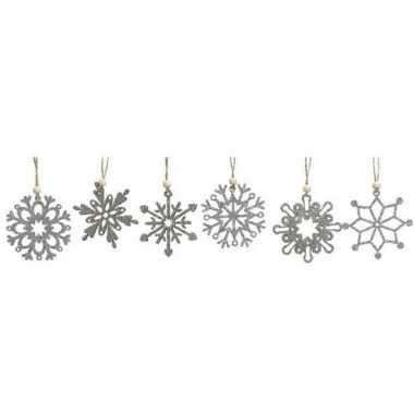 12x houten kerst sneeuwvlok kersthangers zilver 6 cm