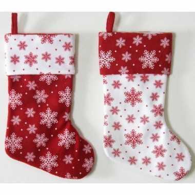 1x wit/rode kerstsokken met kerst sneeuwvlokken print 40 cm