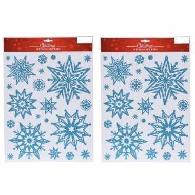 2x kerst raamstickers/raamdecoratie kerst sneeuwvlok plaatjes