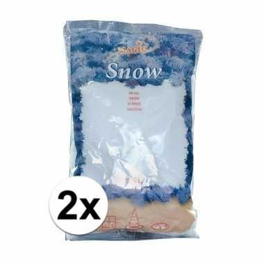 2x zakken kunstkerst sneeuw van 4 liter per stuk