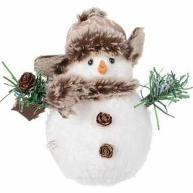 Pluche kerst sneeuwpop beeldje 14 cm muts met flapjes